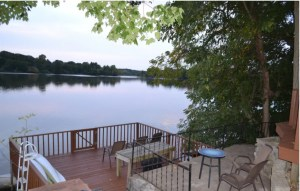 Cottage on Lake Paradise
