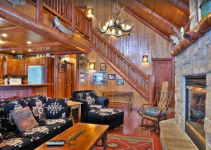 Presidential cabin on Little Round Lake (with hot tub)