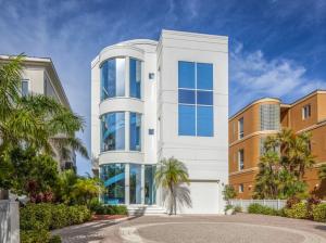 Contemporary Beachfront Home with Tub and Pool - Bonita Springs, Florida