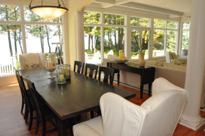 Private 5-bedroom Beachfront with Landscaped Yard and Jacuzzi - Grand Haven