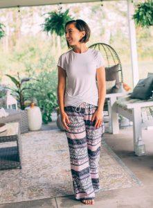 Amoretu Womens T Shirt Short Sleeve Crewneck Tees Side Split Summer Tops Blouse