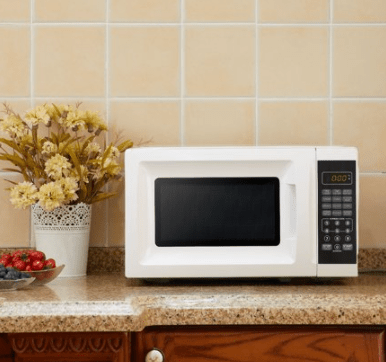 for sale mainstays 0 7 cu ft 700w white microwave oven