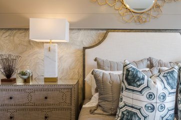 Haven-Design-Works-Atlanta-CalAtlantic-Traditions-Guest-Suite-pillows