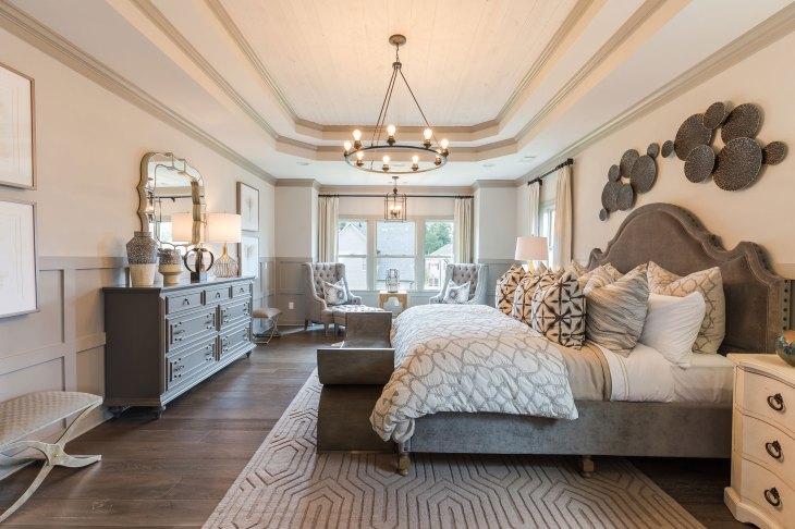 Haven-Design-Works-Atlanta-CalAtlantic-Traditions-Owners-Suite-wall-detail