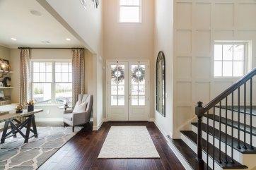 Haven-Design-Works-Atlanta-Front-Door-Shadowbrook-Crossing-Foyer-wall-treatment