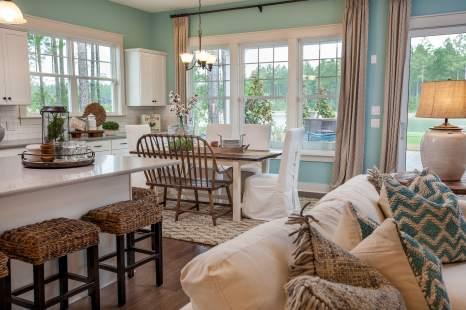 Cover-Haven-design-works-Atlanta-K.Hovnanian-Charleston-Lewes-model-home-Kitchen-min