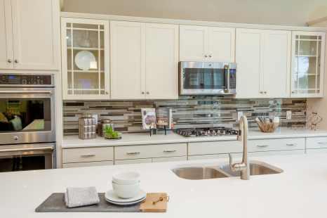 Haven-design-works-Atlanta-K.Hovnanian-Charleston-Ibiza-model-home-Kitchen-min