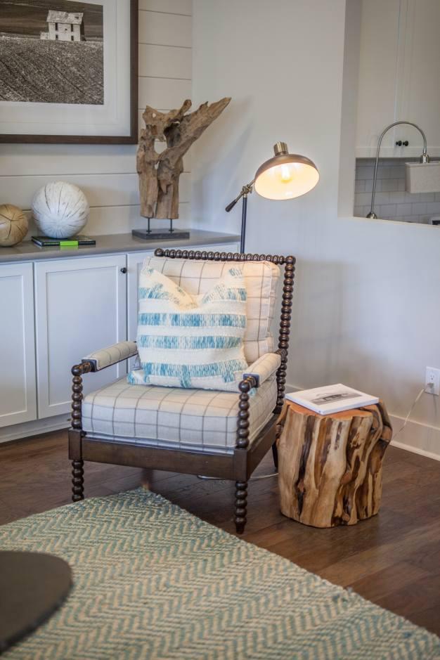 Haven-design-works-Atlanta-K.Hovnanian-Charleston-Lewes-model-home-Family-Room-Chair-min