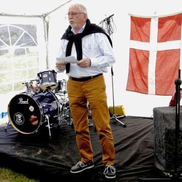 Formand for Hornbæk Havn Jørgen Haagen Nielsen ønsker til lykke med jubilæet