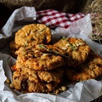 Sun-Dried Tomato Cheddar Cookies