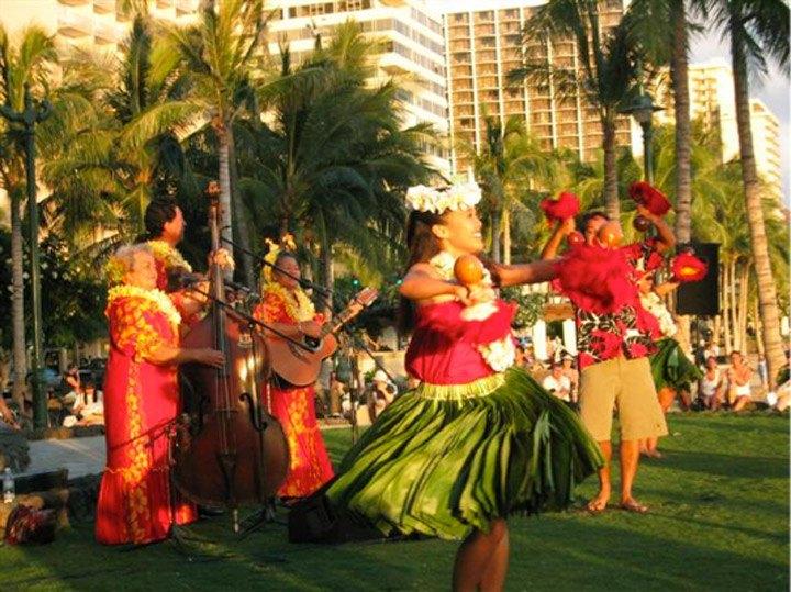 Nn Cartoon Girl Wallpaper Kuhio Beach Hula Show Hawaii Com