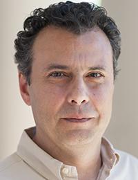 Vassilis Syrmos headshot