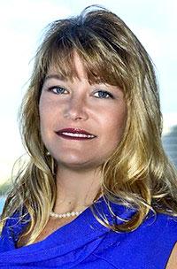 Erika L. Lacro headshot