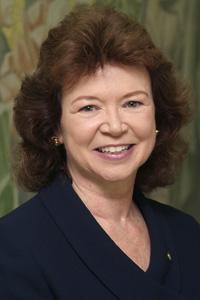Linda Johnsrud headshot