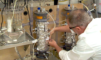 Michael Cooney, a researcher with the UH Mānoa Hawaiʻi Natural Energy Institute, in his lab