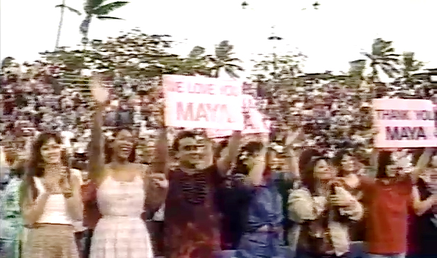crowd at 1994 Maya Angelou appearance