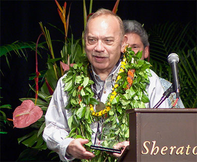 Former Governor John Waiheʻe  honored with the Lifetime Achievement Award