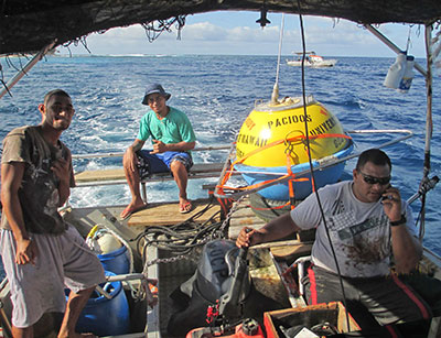 Deployment of PacIOOS wave buoy off Aunuʻu, American Sāmoa