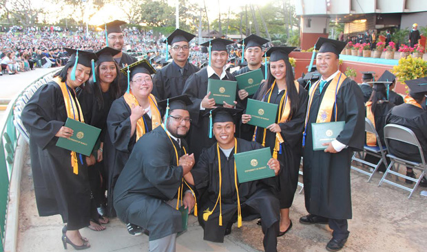 Honolulu grads group