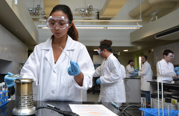 Students work in the new science labs at Hawaii CC