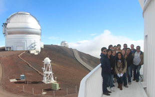 Students and faculty on the Maunakea Summit.