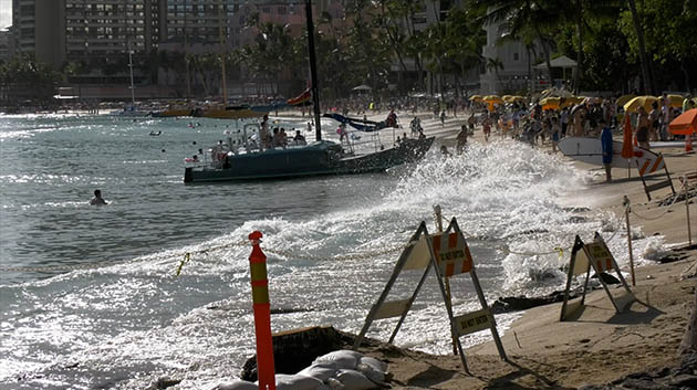 High Water Levels At Waikiki Beach