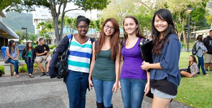 Student on UH Manoa campus