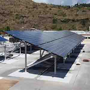 Rooftop solar array on Holmes Hall