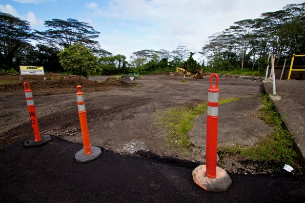 The back lot of the Keaau Transfer Station has been graded cleared of the recycle centers and bins as renovation work is done. Photos by Baron Sekiya | Hawaii 24/7