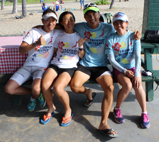 Women's world champion Yasuko Miyazaki (second from left) and her crew, sporting the T-shirts she sold to raise funds to race. (Hawaii 24/7 photo by Karin Stanton)