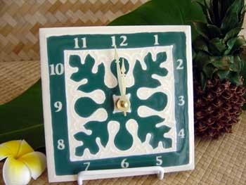 hand painted embossed green breadfruit hawaiian quilt design ceramic tile clock