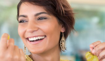 Eat your way to a whiter smile! Try these natural teeth-whiteners: