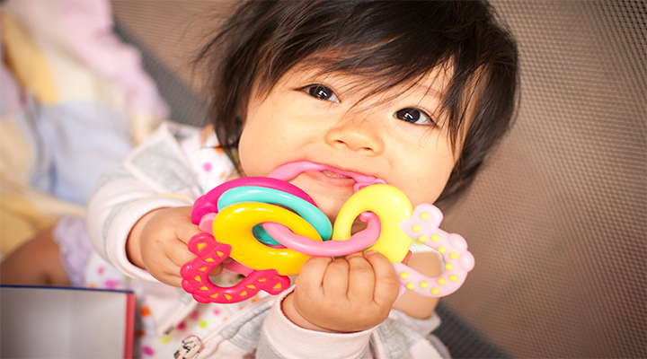 Teething tots can cause parental distraught! Learn what to do if your baby's gums turn blue: