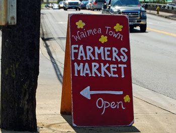 Big Island farmers market - open sign for Waimea farmers market