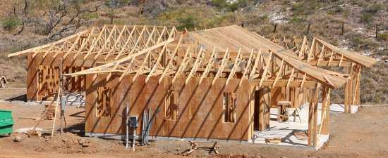 Launiupoko Finishing Roof Trusses House Framing Stage #4