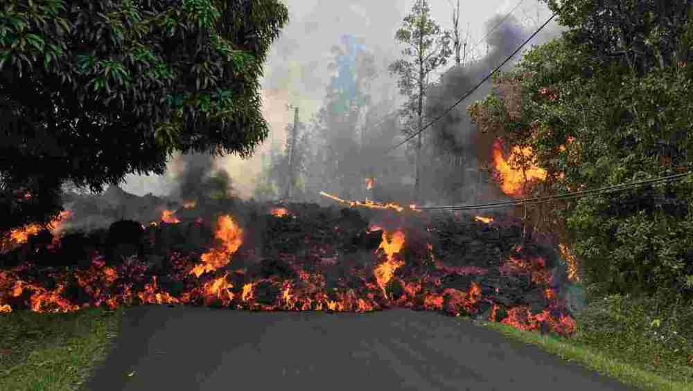 Lava on road in Leilani Estates 2018
