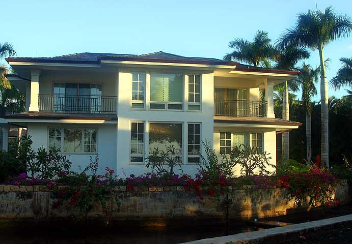 Beachfront Home - Kahala Area