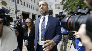 Former New Orleans Mayor Ray Nagin leaves federal court with his wife Seletha Nagin after being sentenced in New Orleans, July 9, 2014.
