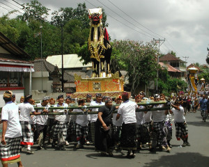 Ubud_Cremation_Procession_1