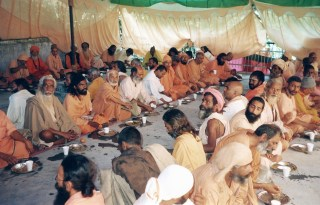 "Lunch with a gathering of Hindu ""Sadhus"" (Holy Men)"