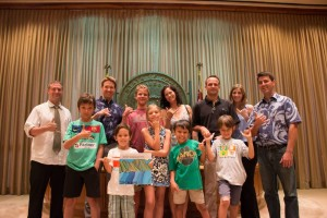 800 students and teachers from across the state submitted illustrations of their vision of a world with 100% renewable energy. Their drawings and letters were hand delivered to our legislators at the Capitol.