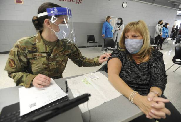 Pentagon deploys troops to fuel COVID-19 vaccine drive
