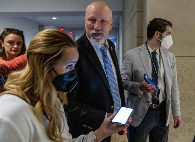 Republicans rebel against mask requirement in House chamber
