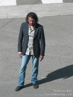 Naveen Andrews filming the death of Nadia at the corner of La Brea and Santa Monica.