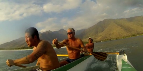 bourdain-canoe