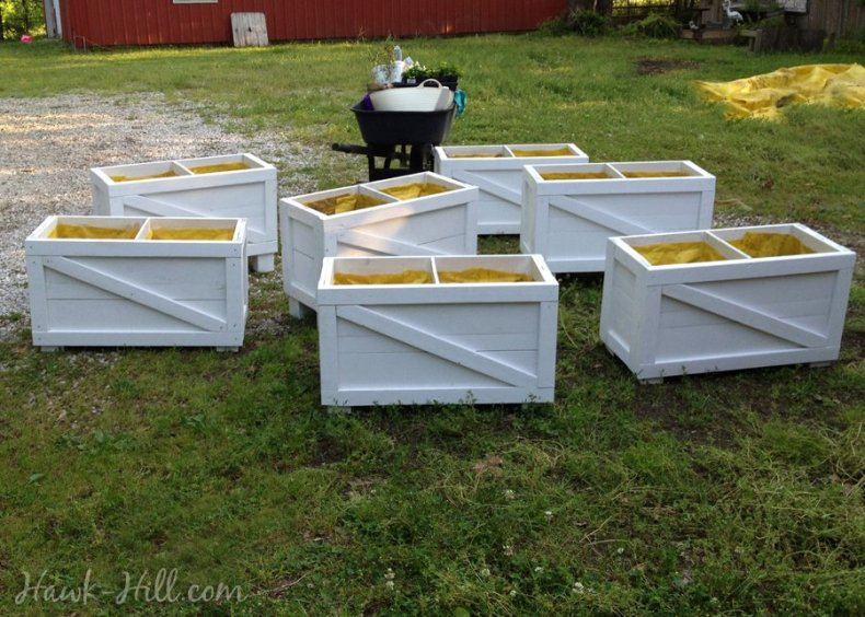 7 large planter boxes for under $30