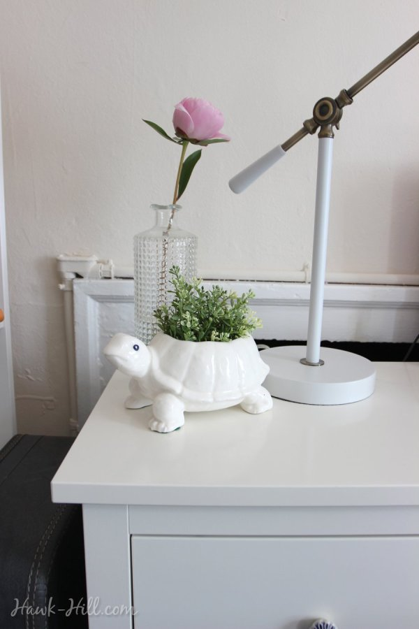 Peonie and turtle planter