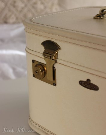 Vintage cases with functional locks make ideal art storage- especially if you travel with your markers.