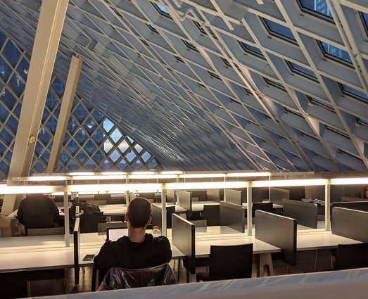best spaces to work or study in Seattle- tips from a nomadic grad student