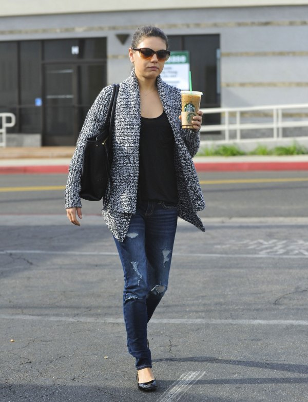 Mila Kunis In Jeans Starbucks Hollywood - Hawtcelebs